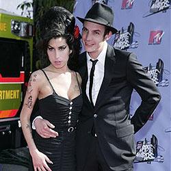 Amy Winehouses Mann im Gefängnis verprügelt
