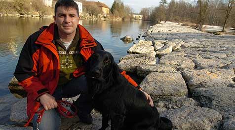 Bewusstloser aus Fluss gerettet (Bild: Hannes Markovsky)