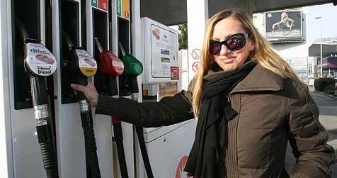 Oberösterreicher verbrauchen 941 Liter Sprit pro Jahr (Bild: Jürgen Radspieler)