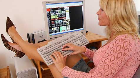 70.000 Oberösterreicher bereits internetsüchtig! (Bild: Peter Tomschi)