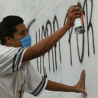 Graffiti-Sprayer zum Gletscher-Säubern verurteilt