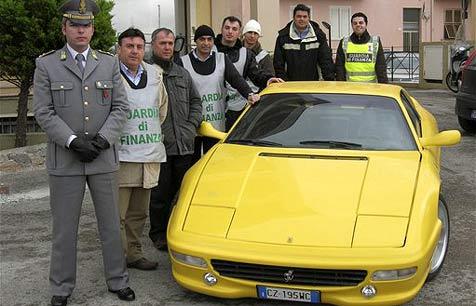 Sizilianer verhökerten nachgebaute Ferraris