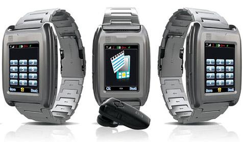 Handyuhr mit Touchscreen und Bluetooth-Headset