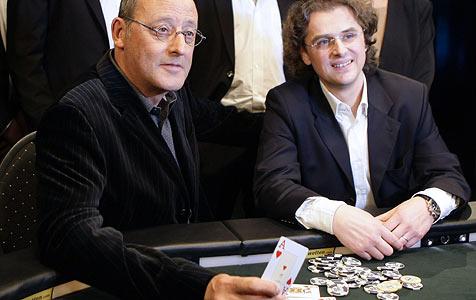 Jean Reno pokerte für guten Zweck in Wien (Bild: APA/Hans Klaus Techt)