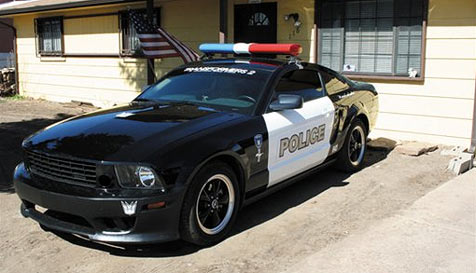 Mustang in Polizeifarben ist in Las Vegas erlaubt