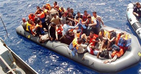 Wieder 750 Fl�chtlinge auf Lampedusa gelandet