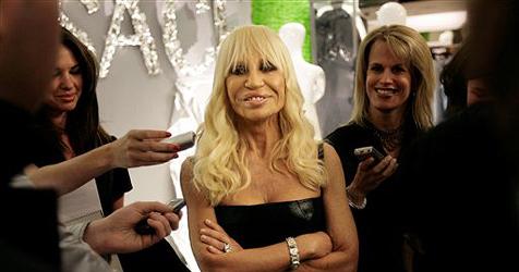 Donatella Versace schockt mit Grusel-Fratze