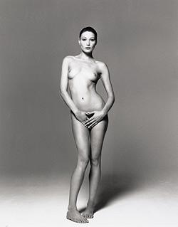 Kinderarzt lehnte Erlös von Bruni-Nacktfoto ab (Bild: Christies Images Ltd)