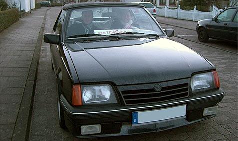 Student wird ohne einen Cent zum Autobesitzer (Bild: studikarre.de)