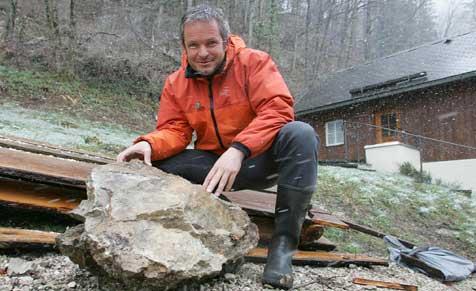 Felsbrocken stürzte in Gasthof (Bild: Markus Tschepp)
