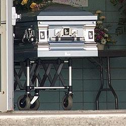 Kanadier verpasst eigenes Begräbnis