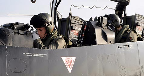 Prinz William ist jetzt auch Militärflieger