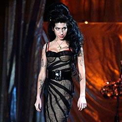 Amy Winehouse wieder beim Koksen erwischt