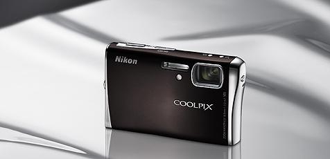 Neue Coolpix mit neun Megapixeln und Wlan (Bild: Nikon)