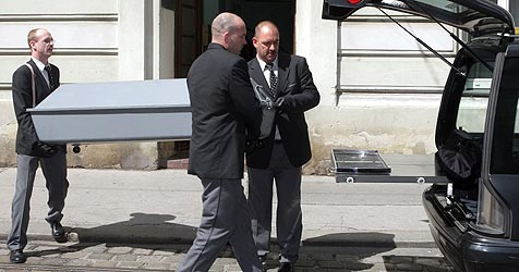 Tod eines 25-jährigen St. Pöltners gibt Rätsel auf (Bild: APA/ Georg Hochmuth)