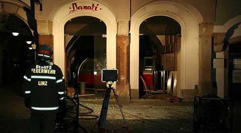 Explosion in Linzer Eiscafé 6 Tage vor Eröffnung (Bild: Feuerwehr Linz)