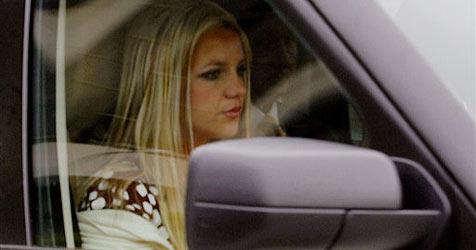 Spears nimmt Paparazzo aus Angst zurück