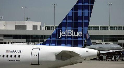 Passagier musste Flug auf der Toilette verbringen