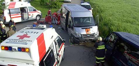 Eine 81-jährige Quad-Fahrerin löste Unfall aus (Bild: FF Gschwandt)