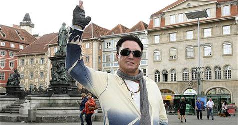 Roy kehrt nach Knie-OP in Graz zurück in die USA