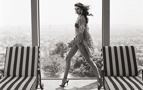 "Fotoshooting mit ""Topmodel""-Finalistin Janina (Bild: Gruner+Jahr, Gala/Mark Leibowitz)"