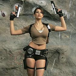 Polizei hält Lara-Croft-Statue für Einbrecher