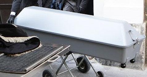 Verweste Leiche stellt die Ermittler vor Rätsel (Bild: APA/Helmut Fohringer)