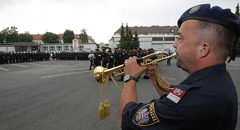 Wegen EURO-Einsatz fehlt bei uns jeder 5. Polizist (Bild: Chris Koller)