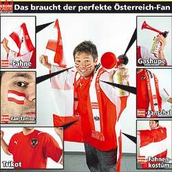 Mit Schal, Fahne und Trikot (Bild: Kronen Zeitung)