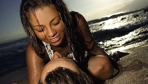 Diese Strafen drohen dir für Sex am Strand (Bild: © [2008] JupiterImages Corporation)