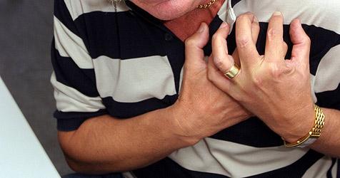 Geschnappter Dieb täuschte bei Verhör Herzattacke vor (Bild: PETER TOMSCHI)