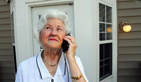 Erst kommt ein Anruf, dann die Bitte um Geld