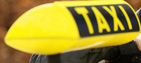 Sammeltaxi sorgt auf Straßen für Sicherheit (Bild: dpa/A3796 Uwe Anspach)