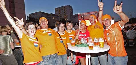 Anhänger machten aus FAN ZONEN Partyzonen! (Bild: Chris Koller)