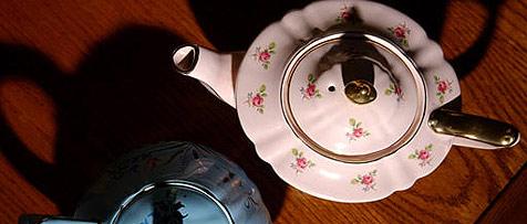 Asche des toten Vaters zu Teekanne verarbeitet