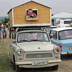 Zwickau feierte das Kult-Auto der DDR (Bild: AFP/Uwe Meinhold)