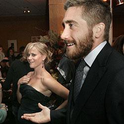 Jake Gyllenhaal zieht bei Reese Witherspoon ein