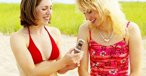 Geld sparen beim Telefonieren im Ausland (Bild: © [2008] JupiterImages Corporation)