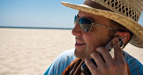 Telefonieren im EU-Ausland ab sofort billiger (Bild: © [2008] JupiterImages Corporation)