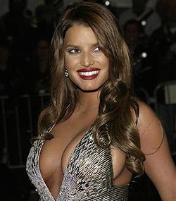 Jessica Simpson hat Hollywoods schönste Brüste