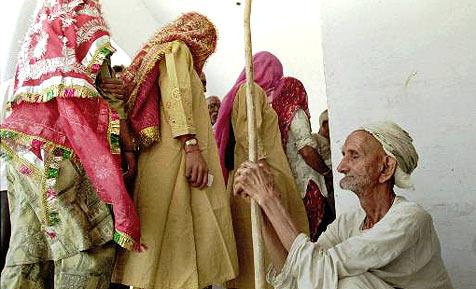 Indische Stadt bietet Geld fürs Pinkeln