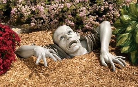 Zombie löst den Gartenzwerg ab
