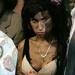 Winehouse gibt 1.260 ¿ für Drogen aus - pro Tag