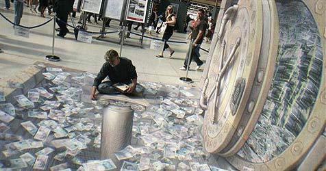 Bargeld-Millionen am Bahnhofsboden verteilt