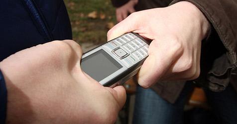 Handyraub-Delikte in Österreich um 20 Prozent gestiegen (Bild: APA/Georg Hochmuth)
