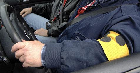 Blinder saß betrunken am Steuer! (Bild: dpa/dpaweb/dpa/A3116 Tim Brakemeier)