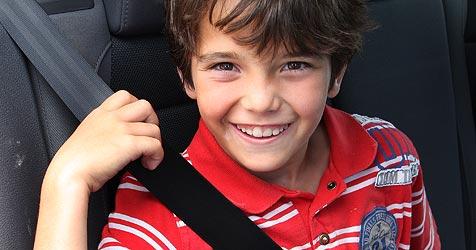 3.884 Väter registriert - Kinder ohne Gurt im Auto (Bild: Peter Tomschi)