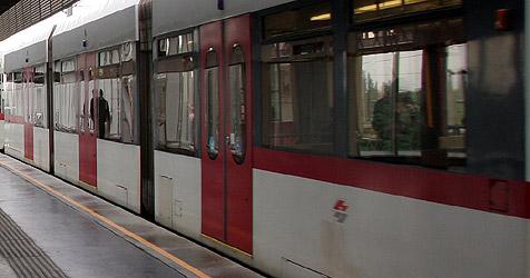 21-j�hriger Wiener von U-Bahn mitgeschleift (Bild: Peter Tomschi)