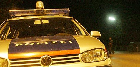 Betrunkener Lenker gibt nach Unfall Gas - von Polizei gefasst (Bild: Andi Schiel)