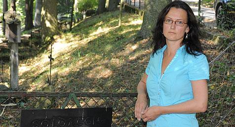 Räuber zertrümmerte Frau Gesicht (Bild: Hannes Markovsky)